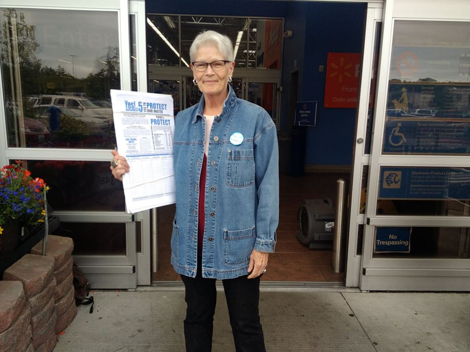 Save Tacoma Water volunteer Judt, always with a smile and full of information for those who have questions.